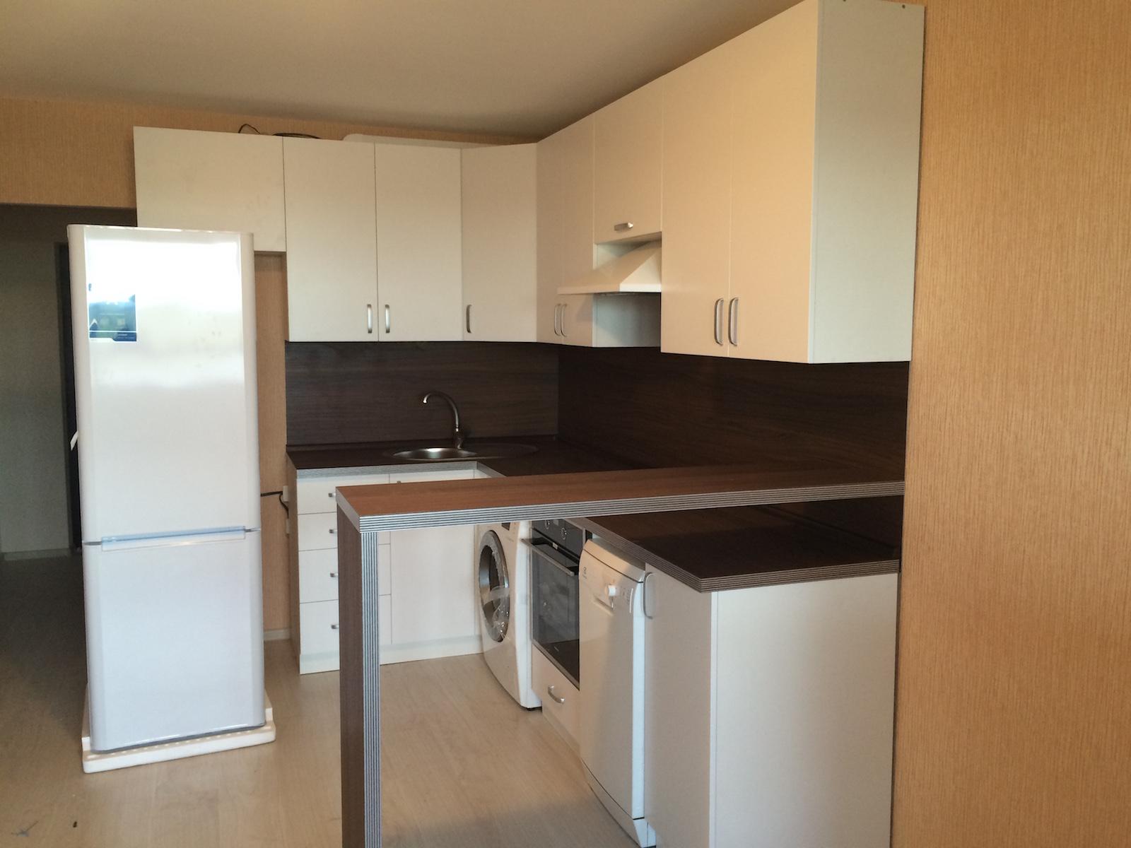 кухонный гарнитур ранункулюс кухня для квартиры студии с барной