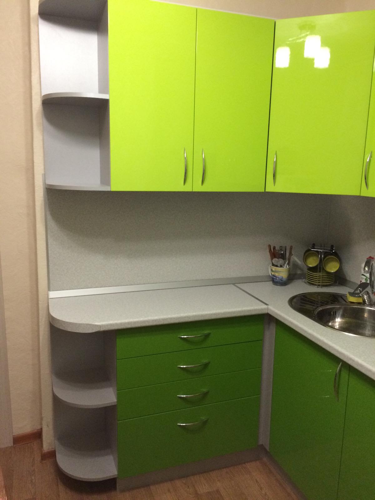 Зеленая кухня дизайн хрущевка